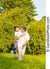 家族, 自然, 父, に対して, 息子, forest., 便乗商法, 緑, outdoors., 幸せ, コーカサス人, values.