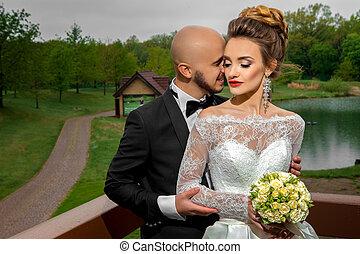 家族, 若い, 抱き合う, スーツ, 結婚式, 幸せ
