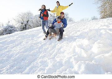 家族, 雪が多い, 丘, sledging, 楽しみ, 持つこと