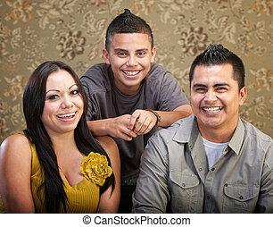 家族, latino, 笑い, 一緒に