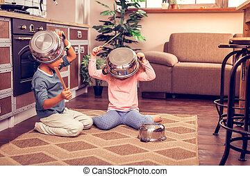 家, リラックスした, 子供, 台所用品, 遊び