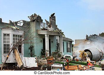 家, 傷つけられる, によって, 災害