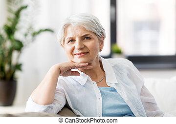 家, 年長の 女性, 幸せ, 肖像画
