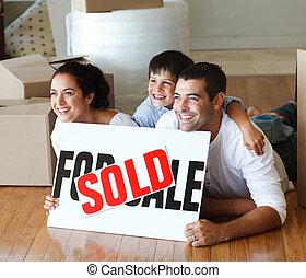 家, 床, 微笑, 購入, 後で, 家族