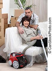 家, 恋人, 引っ越し, 掃除機をかける, 前に
