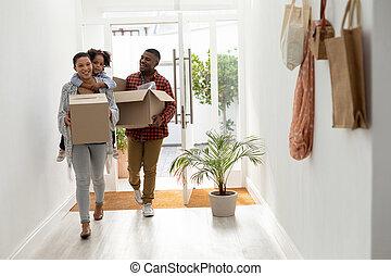 家, 箱, 新しい, ∥(彼・それ)ら∥, 入る, ボール紙, 家族