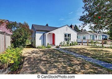 家, door., 小さい, 前部, 白, rambler, 赤