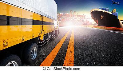 容器, 卡車, 以及, 船, 在, 進口, 港口, 港口, 由于, 貨物, 貨物, 飛機