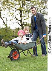 寄付, 乗車, 子供たちの父親となりなさい, 一輪手押し車