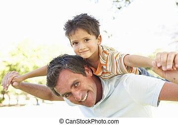 寄付, 公園, 乗車, 父, 背中, 息子