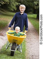 寄付, 男の子, 乗車, よちよち歩きの子, 一輪手押し車