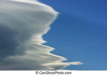 密集している, 雲