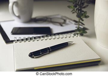 寫, 辦公室, smartphone, 杯子, 空白, coffee., front., 工作, 現代, 白色, 桌子, 頁, 概念, 筆記本, 書桌
