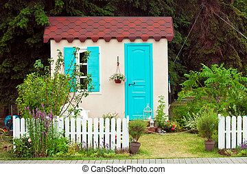 小さい家, ファサド, 庭