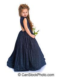 小さい王女, 中に, 白いドレス