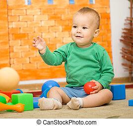 小さい 男の子, ある, おもちゃで遊ぶ, 中に, 幼稚園