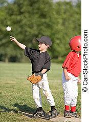 小さい 男の子, 投げる, 野球