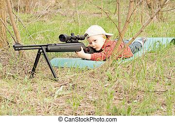小さい, 男の子, 目標の 取得, ∥で∥, a, ライフル銃