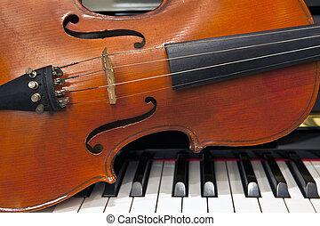 小提琴, 鋼琴鍵盤