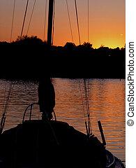 小游艇船坞, 日落