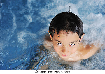 小男孩, 在, 游泳池