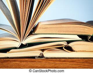 小説, 古い, 木製である, 本, テーブル, 開いた