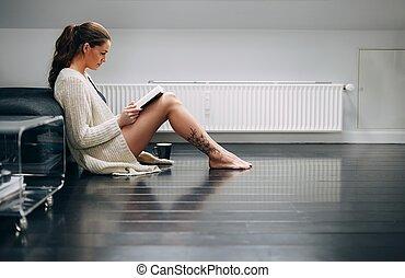 小説, 床, かなり, 家, 読書, 女性