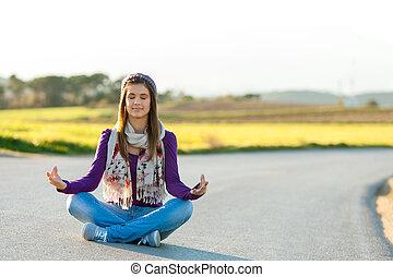 屋外で, 瞑想する, 女の子, 若い