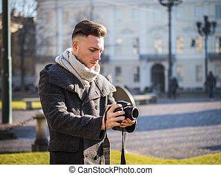 屋外, カメラマン, 若い, 撮影, ビデオ, マレ, ハンサム