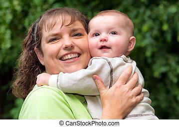屋外, 彼女, 息子, お母さん, 赤ん坊, 肖像画, 幸せ
