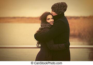 屋外, 愛, 恋人, 若い, 包含, 幸せ