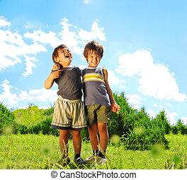屋外, 2, 兄弟, 他, 笑い, それぞれ, 微笑, huging