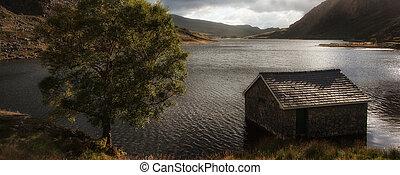 山のpanorama, 湖, 小屋, 秋, 釣り, 風景