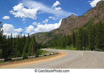 山地形, 道路