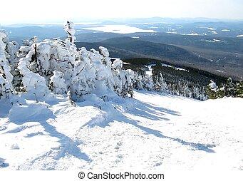 山頂部, 滑雪足跡