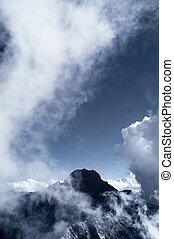 山, ひすい, 雲