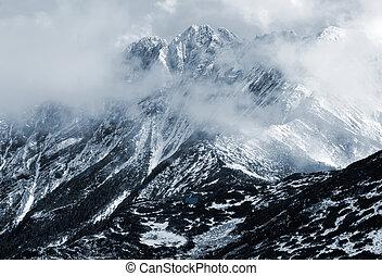 山, ひすい, 2