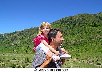 山, わずかしか, 父, 探検家, 女の子