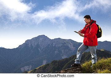 山, タブレット, 上, 若い, pc, 感動的である, 人