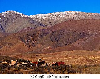 山, パノラマ, 雪をかぶった, モロッコ, 村, 地図帳