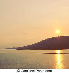 山, 在上方, 影響, 過濾器, 傍晚, retro, 海, 或者, 日出