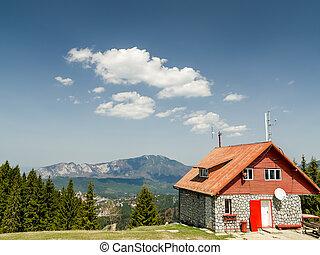 山, 房子