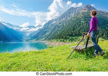 山, 登山家, ピークに達する, 湖, 若い, 高く