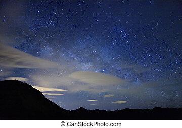 山, 驚かせること, 夜, 伴いなさい, 星が多い