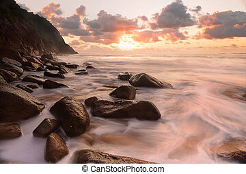 岩が多い, 絶頂, 海景, 流れ, 海洋, 浜