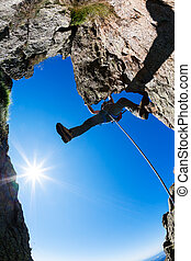 岩, climbing., 男性の登山家, 上に, a, 急, 岩が多い, cliff.