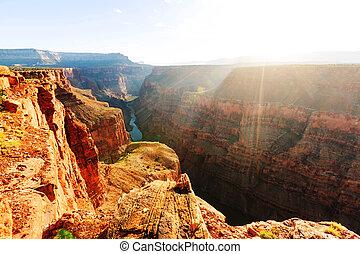 峡谷, 壮大