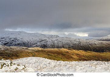 峰, イギリスのレーク地方, 雪が多い