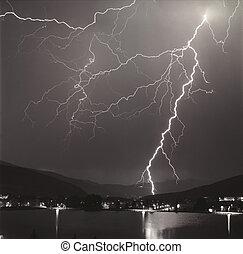 嵐, 稲光