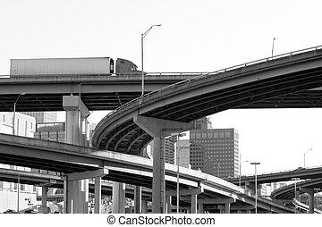 州連帯, 跨線橋